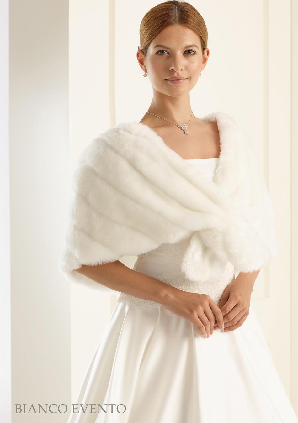 size 40 854c5 d0d5d Patrizia Cavalleri | Accessori | Coprispalle sposa in ...