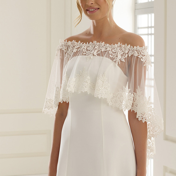Poncho sposa in tulle e pizzo